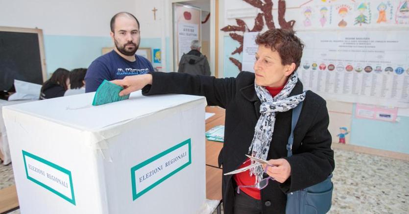 Regionali, Basilicata al voto. Alle 19 affluenza al 39,73%, urne aperte fino alle 23